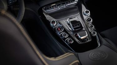 Mercedes-AMG GT R - centre console