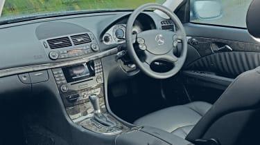 Mercedes E220 CDI interior