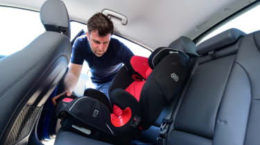 Hyundai Ioniq Plug-in - car seat