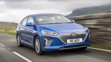 Hyundai IONIQ EV 2016 UK - front tracking