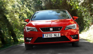 SEAT Leon 2.0 TDI FR front action