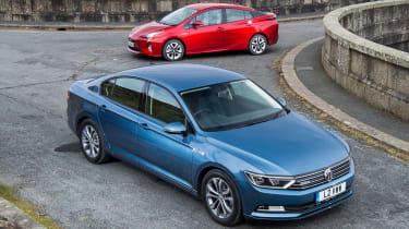 Volkswagen Passat vs Toyota Prius - header