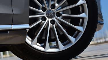 New Audi A8 2017 - wheel