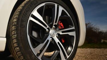 Peugeot 208 GTi wheel