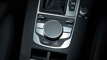 Audi A3 Cabriolet - MMI control