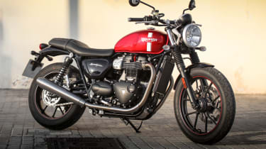 Triumph Street Twin review - static front quarter
