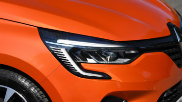 Renault Clio Long termer - headlight