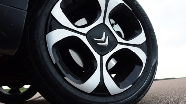 Citroen C3 Aircross - wheel