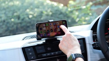 SEAT Mii electric - long termer first report phone