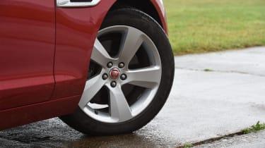 Jaguar XF 2017 - wheel