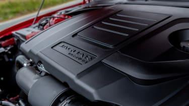 Jaguar XE 300 Sport - engine