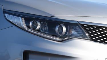 Kia Optima - front light detail