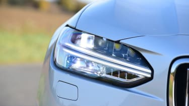 Volvo V90 T8 - front light