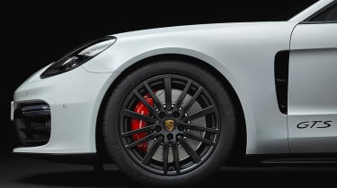 New 2018 Porsche Panamera GTS wheel