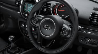 MINI Clubman City - steering wheel