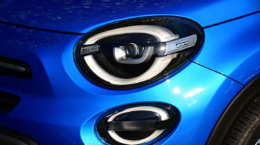Fiat 500X - Headlight