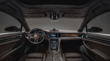 Porsche Panamera Sport Turismo - interior