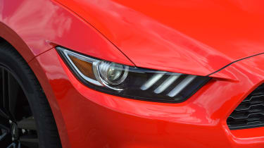 Ford Mustang 2.3 Convertible - front light