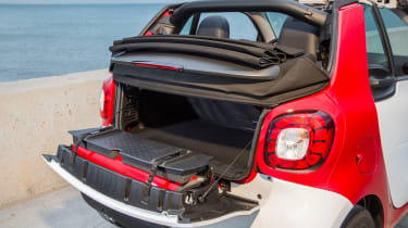 Smart ForTwo Cabrio 2016 - boot space