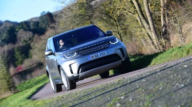 Land Rover Discovery Mk5 - front