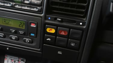 Land Rover Discovery Mk2 - buttons