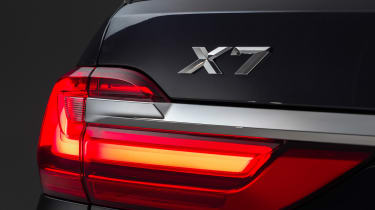 New BMW X7 studio shoot badge
