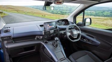 Peugeot Rifter Allure BlueHDI diesel –interior