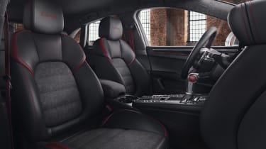Porsche Macan Turbo Exclusive Performance Edition interior