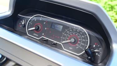 LDV V80 - dials