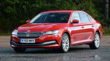 Skoda Superb - front 3/4 static