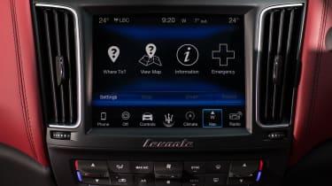 Maserati Levante S - infotainment