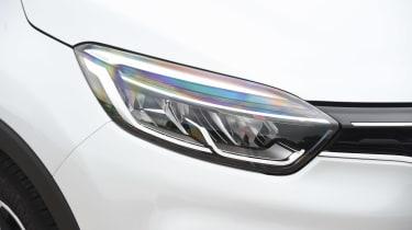Renault Captur - front light