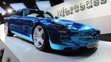 Mercedes SLS Electric Drive front tracking