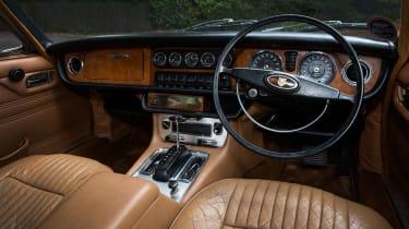 Jaguar XJ6 S1 interior