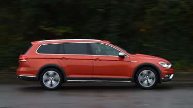 Volkswagen Passat Alltrack profile