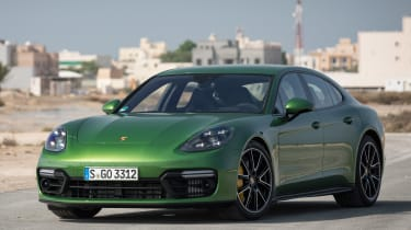 Porsche Panamera GTS - front static