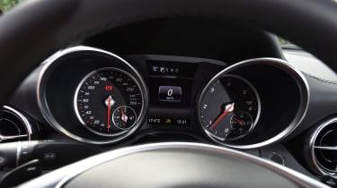 Mercedes SLC roadster 2016 - instruments