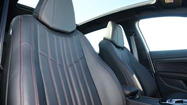 Peugeot 308  - front seats