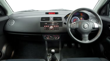 Used Suzuki Swift Mk5 - dash
