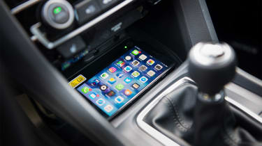 Honda Civic Saloon - phone