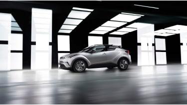 Toyota C-HR - front below