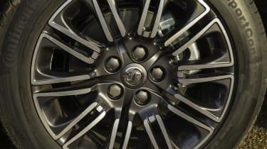 Vauxhall Insignia Country Tourer wheel