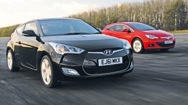Hyundai Veloster vs Vauxhall Astra GTC