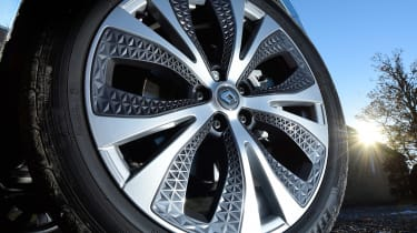 Renault Grand Scenic - wheel detail