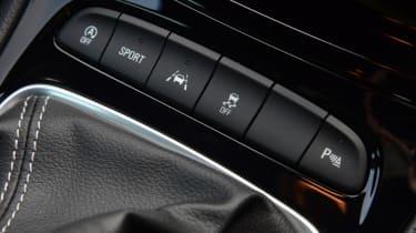 Vauxhall Astra Sports Tourer diesel 2016 - centre console