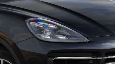 Porsche Cayenne - Headlight