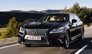 Lexus LS 460L front action