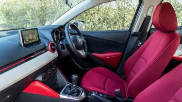 Mazda 2 Red Edition - interior