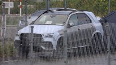 Mercedes GLE spied front quarter