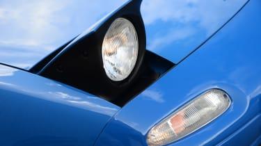 Mazda MX-5 - modern classic front light